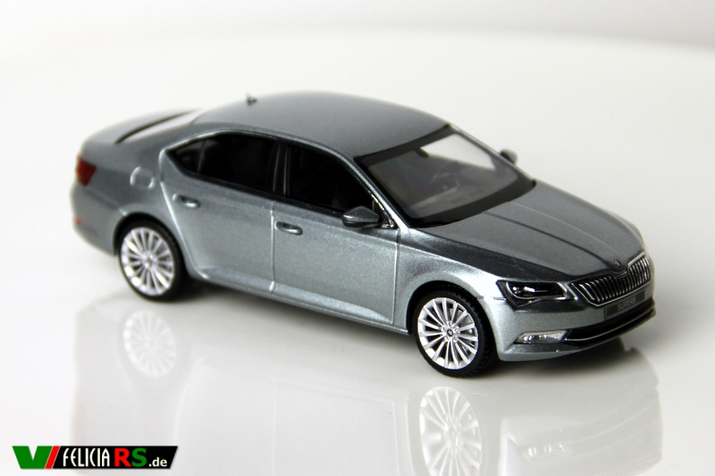Škoda Superb III 2015 1:43