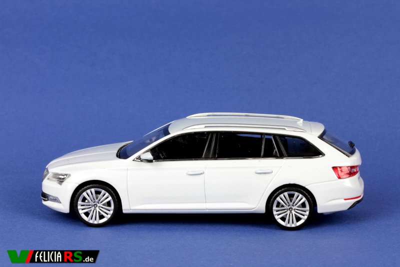 Škoda Superb III Combi 1:43 I-Scale